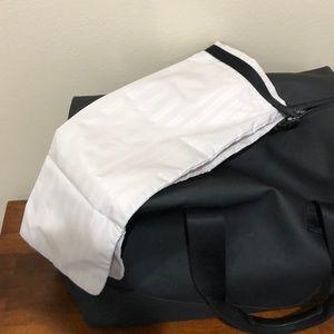 lululemon Bags - Lululemon Everyday Gym Bag Black